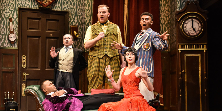 2019 Cast_The Play That Goes Wrong