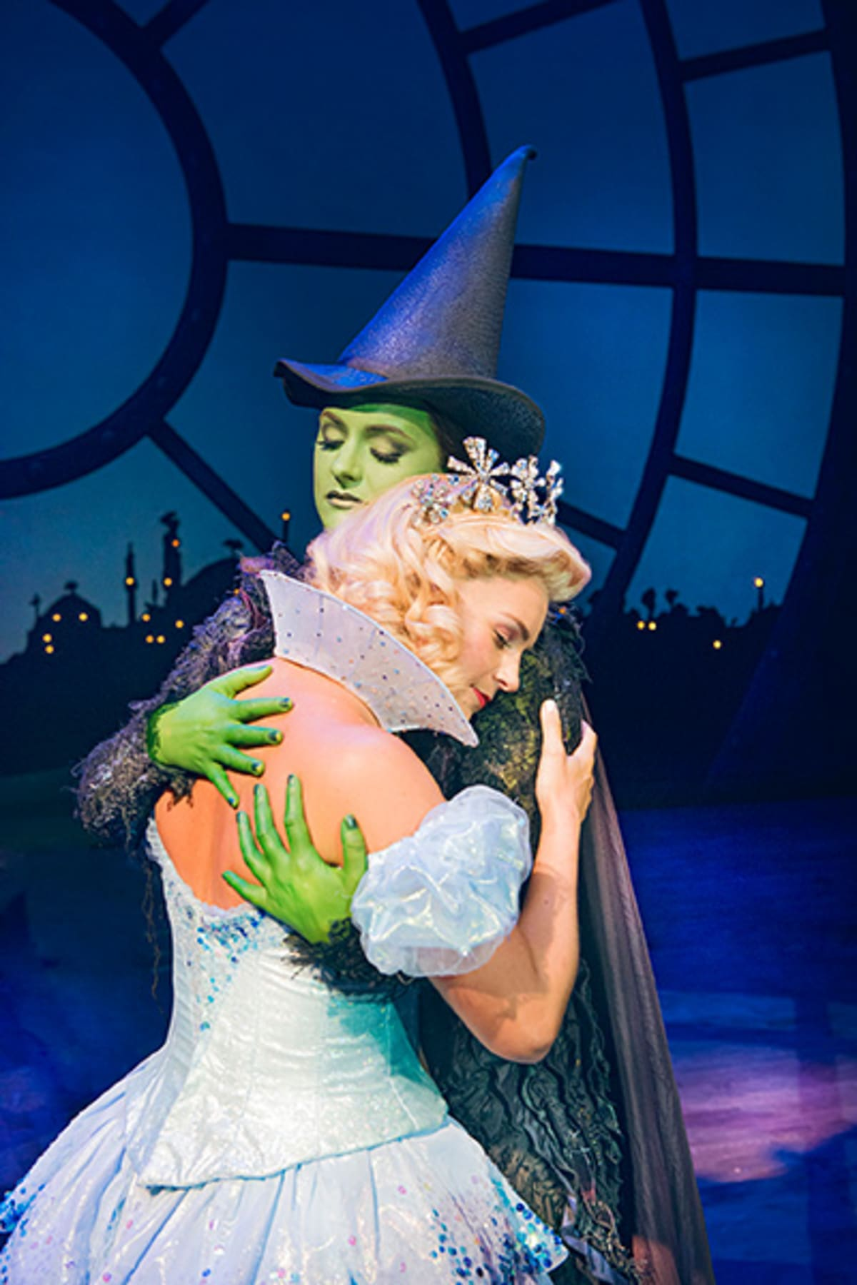 West End Auto >> First look: New Wicked cast