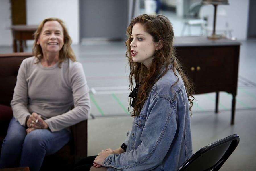 Amy Madigan (Hallie) andCharlotte Hope (Shelly) in Buried Child rehearsals (Photo: Serge Nivelle)