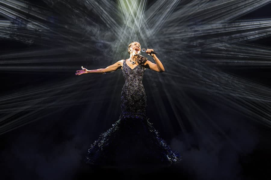 Beverley Knight in The Bodyguard (Photo: Paul Coltas)