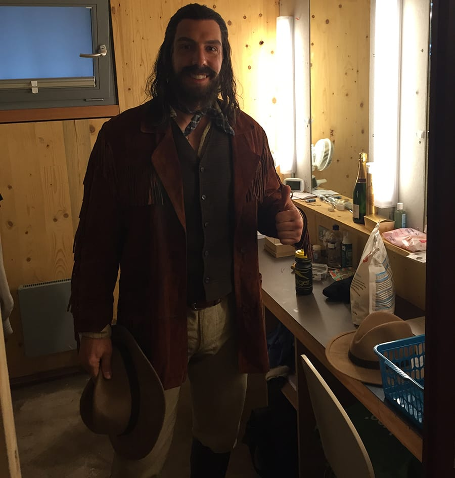 Alex Gaumond: 40 minutes to get ready for the matinee, ready to start the show!