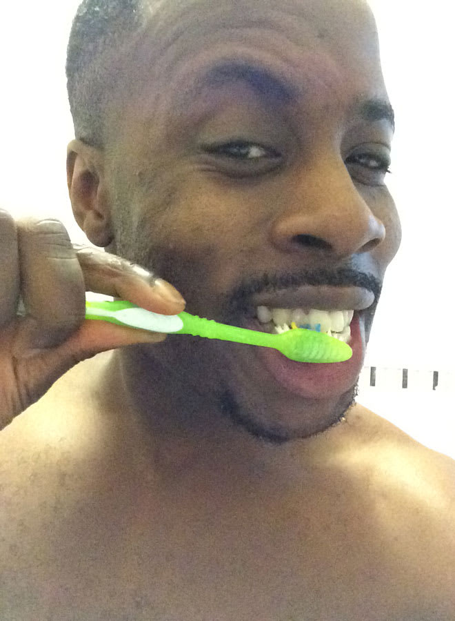 Rolan Bell: Teeth-cleaning