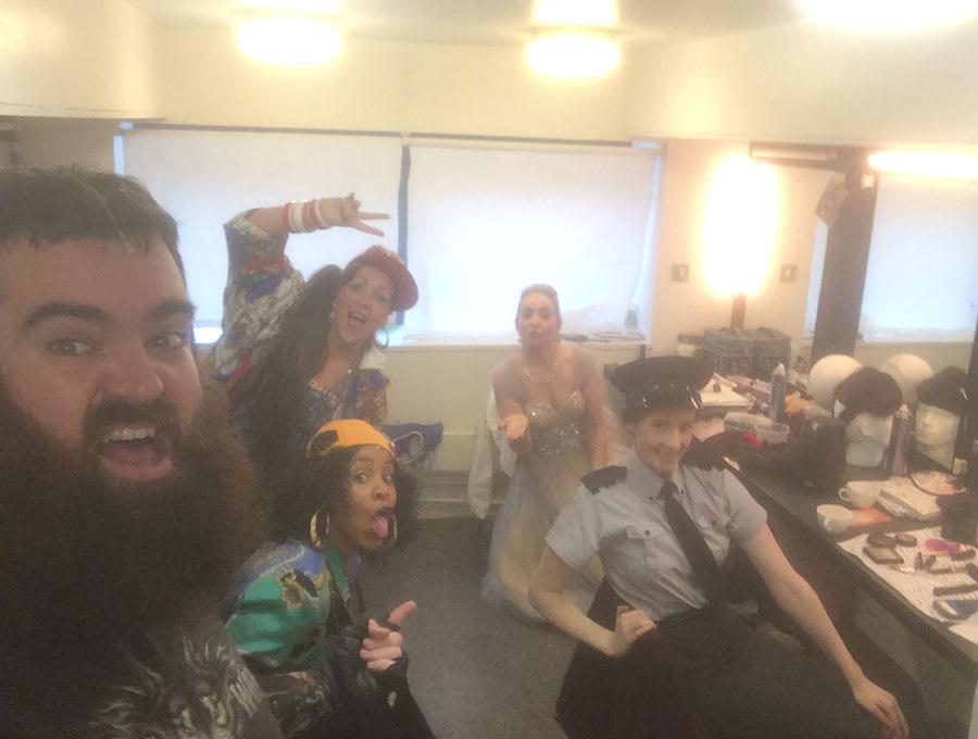 Dean Nolan takes an interval selfie