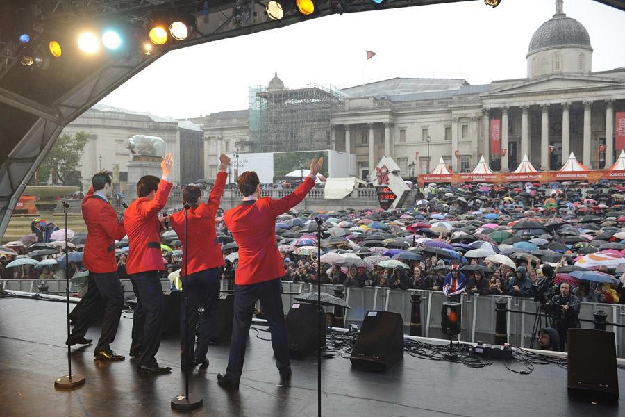 Jersey Boys in the rain