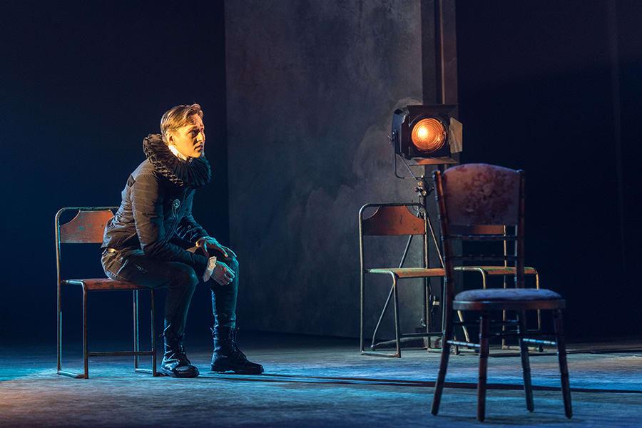 Luke Mullins (Hamlet) in Rosencrantz & Guildenstern Are Dead at The Old Vic (Photo: Manuel Harlan)