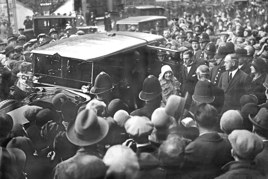 30 Oct 1929: The Duchess of York was mobbed as she arrived at the famous Old Vic Theatre to unveil a memorial tablet to the late Miss Emma Cons, founder of the theatre