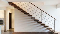 Open trap naar de bovenverdieping