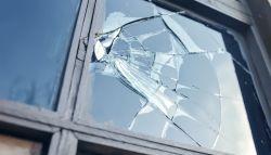 Glaszetters vervangen kapotte ruiten