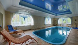 Ingebouwd binnenzwembad