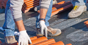 Dak onderhouden of repareren
