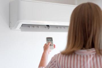 Airconditioning binnen aan de muur