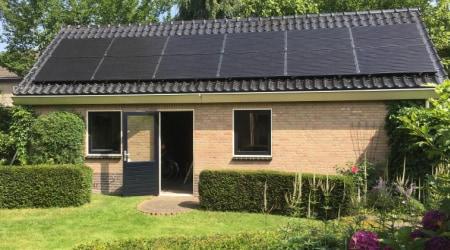 Zonnepanelen bijgebouw Prinsenbeek