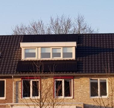 10 panelen LG Solar 320WP Full black met een Solaredge SE3000 HD Wave omvormer