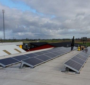 30 Talesun TP660P 270wp - Poly  zonnepanelen en een Solar Edge SE8K omvormer