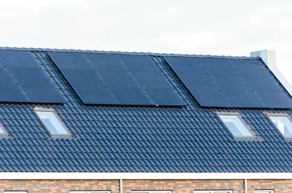 zonnepanelen op schuin dak