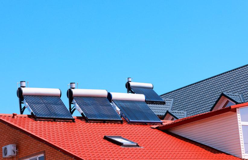 Dak met zonneboilers