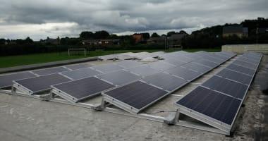 Installatie 13000 Watt op plat dak FC Zammel
