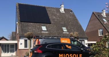 Zonnepanelen geplaatst in Waardenburg