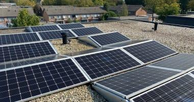 24 stuks Solarwatt 60M 320Wp mono panelen in oost-west opstelling