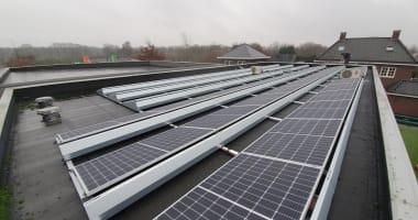 particuliere installaties op het platte dak