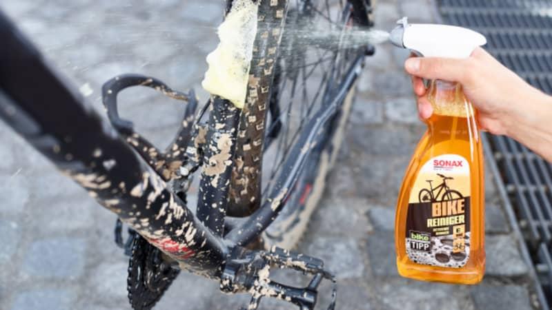 Bike Reiniger aufsprühen