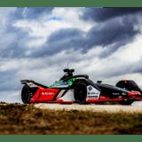 """Sonax ist als international führende Autopflegemarke erstmals in der weltweit stark expandierenden E-Motorsport-Serie vertreten. Das Team """"Audi Sport ABT Schaeffler"""" wird sich dank der neuen Partnerschaft mit Sonax besonders strahlend in Szene setzen."""