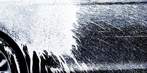 Schaumteppich auf Autolack