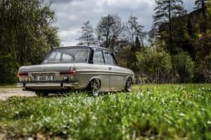 Heck Seitenansicht Audi 72