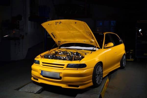 Motorraum Opel Astra