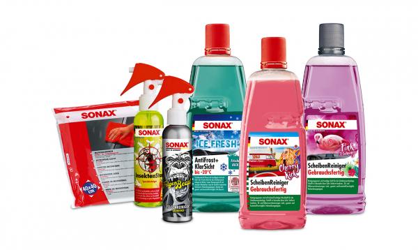 Verschiedene SONAX Produkte in Aktionsgröße