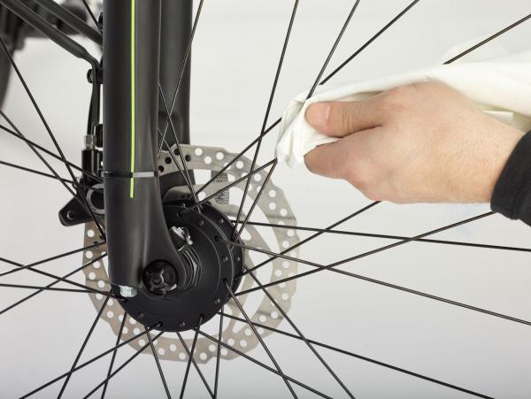 Bike Pflegewelt Anwendung Speichenreinigung