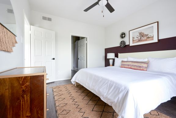floor n decor austin.htm sunny 2br at south congress neighborhood apartment rentals sonder  sunny 2br at south congress