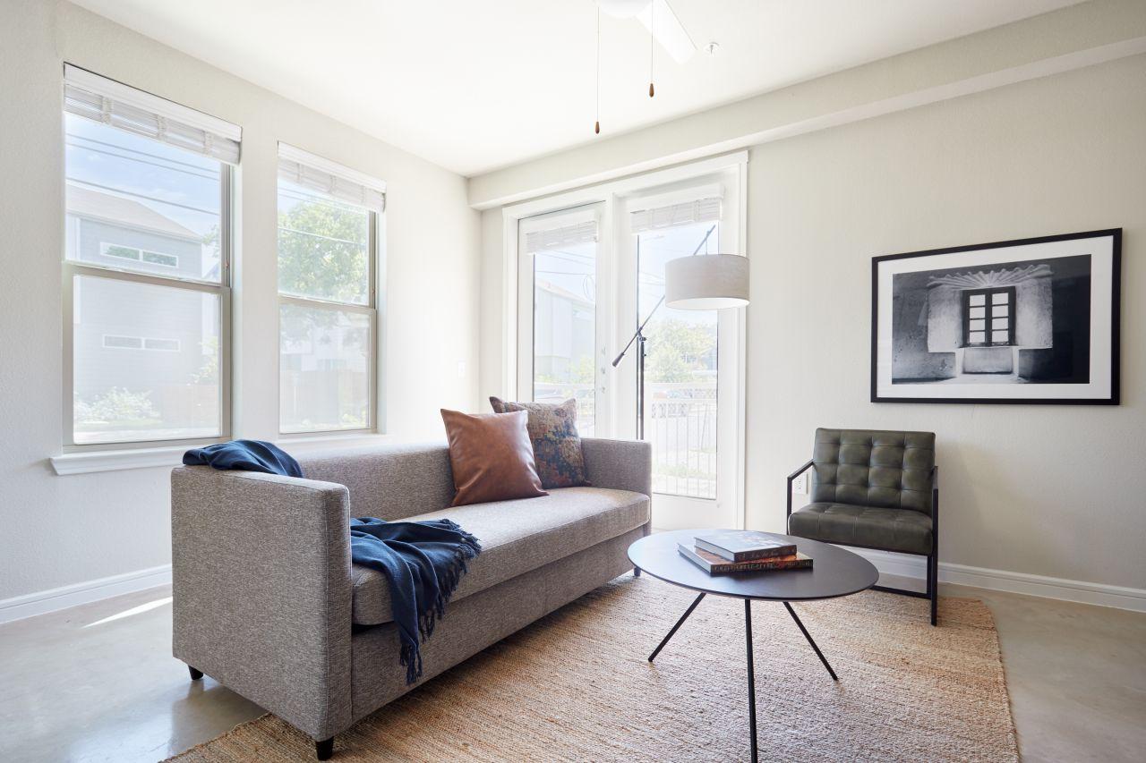 Sonder Southtown Apartments Bold 2br Pool Neighborhood