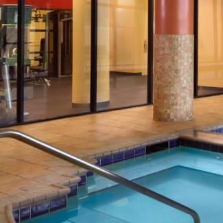 Select Atlanta Cumberland Galleria indoor pool