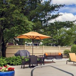 Select Boston Woburn Burlington outdoor pool