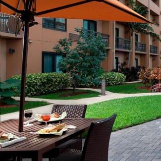 Select Miami Lakes outdoor patio