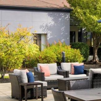 Select Philadelphia Airport outdoor patio