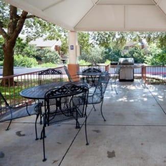Aussb 2533397651 Patio Grill Courtyard Web