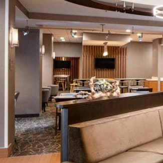 Select Nashville Airport Suites lobby