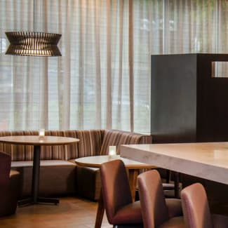 Select Arlington Rosslyn communal table