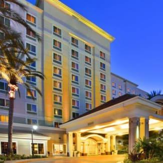 Hotel Exterior Resort Entrance