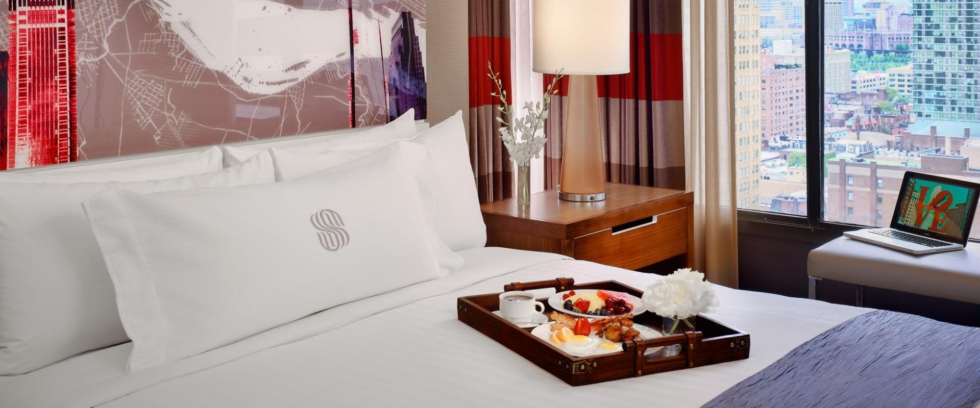 Guest Room - Breakfast In Bed