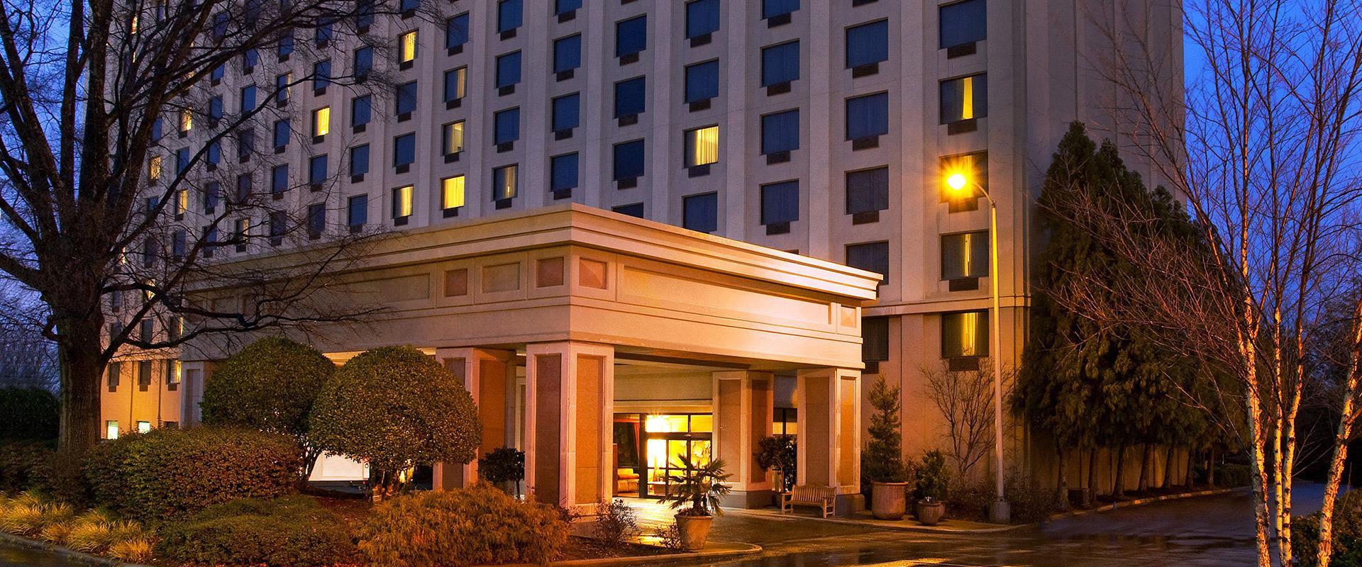 Atlanta Airport Hotel Exterior At Dusk