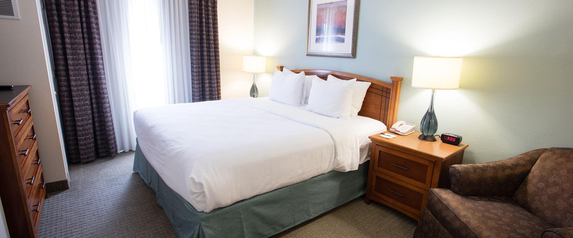 One King Bed Guest Suite