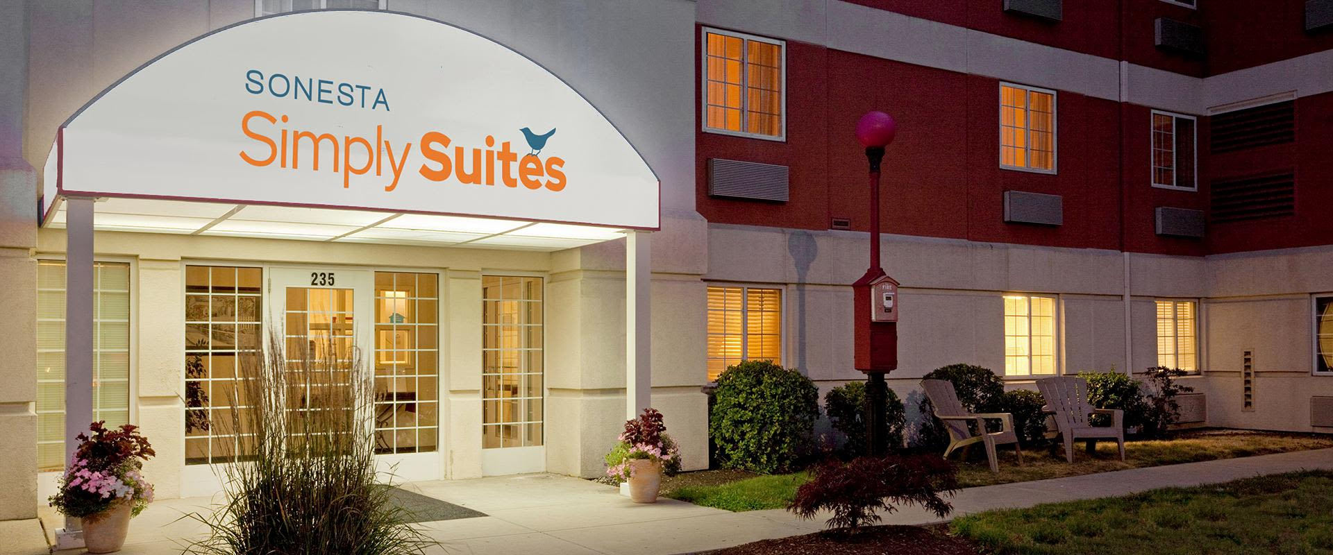 Sonesta Simply Suites Boston Braintree Hotel Exterior Entrance