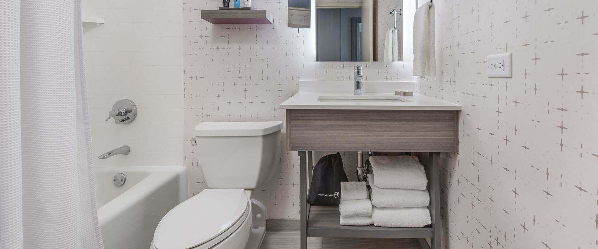 Denver Guest Room Bathroom Interior