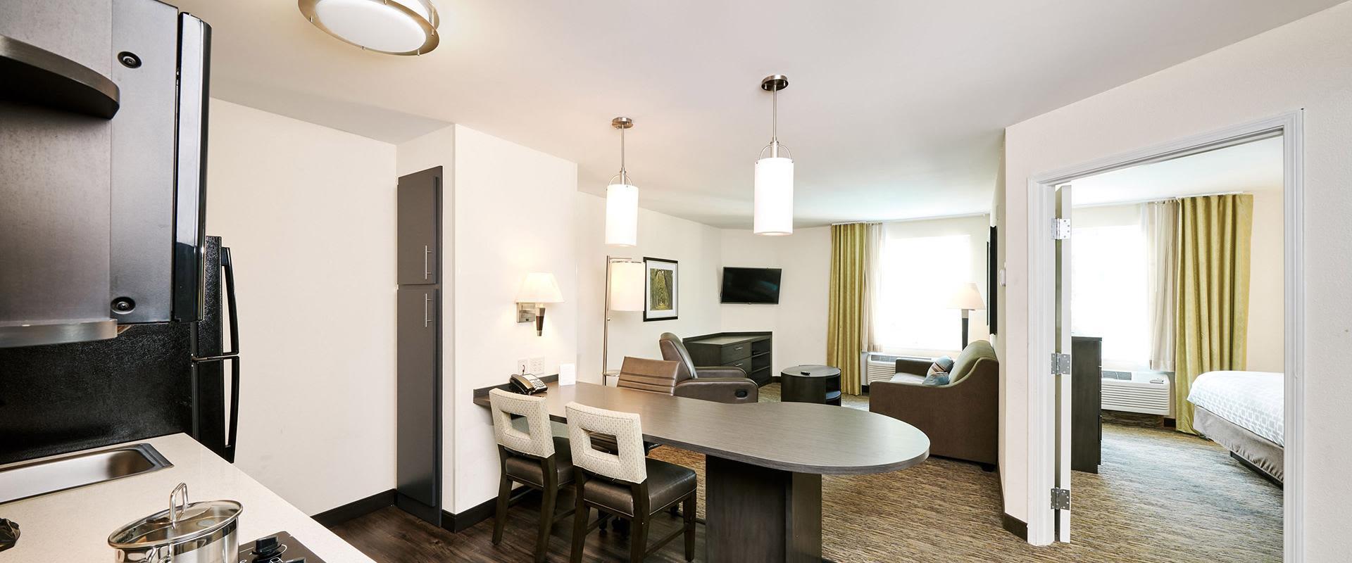 One Bedroom Queen Suite - Kitchen