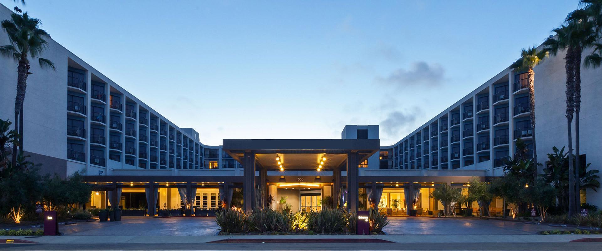 Redondo Beach Hotel Exterior At Sunset