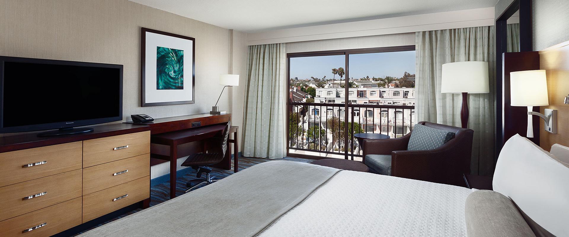 Redondo Beach King Bed ADA Room