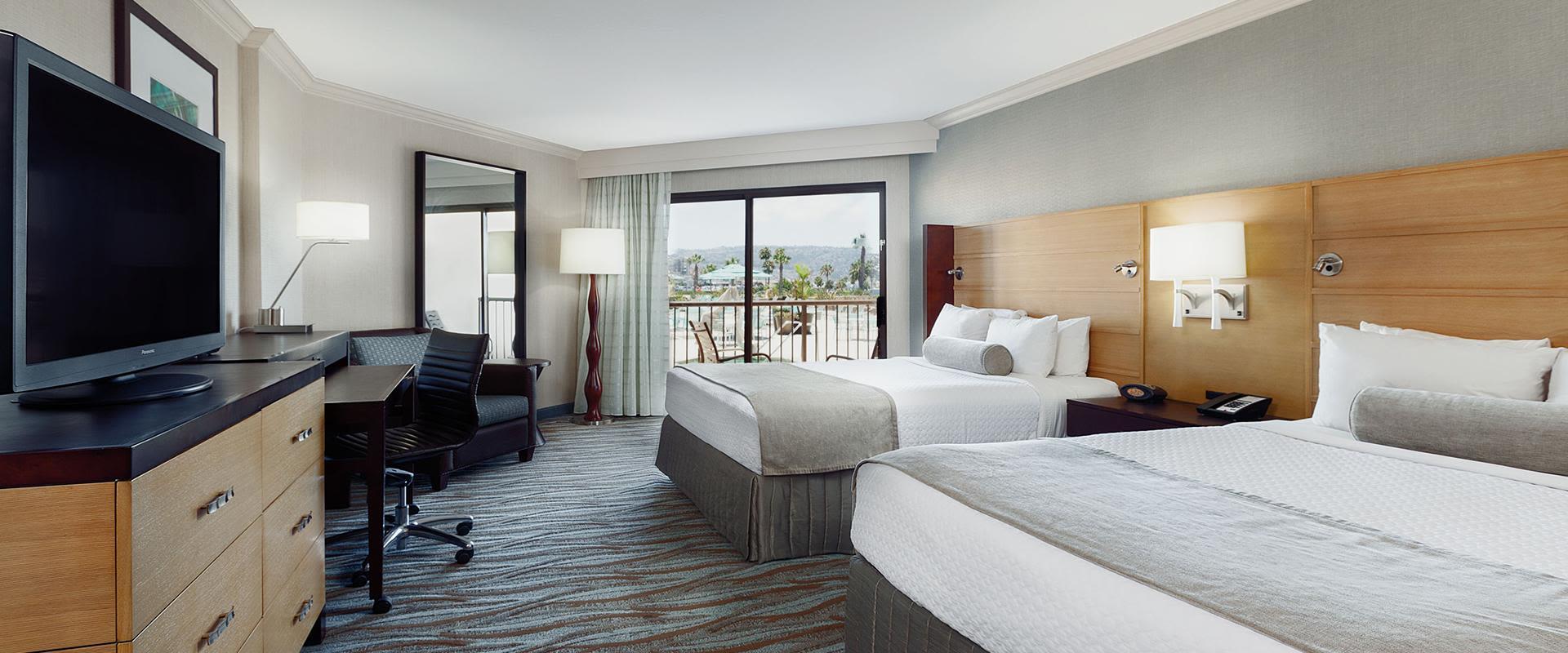 Redondo Beach Queen Beds Guest Room